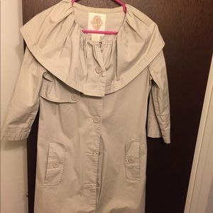 Mid sleeve coat